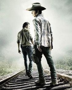 Rick Grimes and Carl Grimes walking on the rails ● Season 4   The Walking Dead