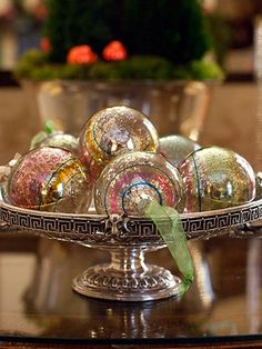 Inspired Design: HOLIDAY STYLE FILES: ORNAMENT DISPLAYS