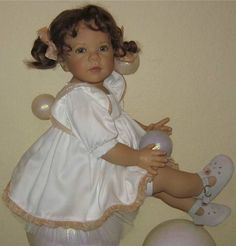 Amazing Dolls Gallery. The Elisabeth Lindner Collection - 2006 Baby Flo-2.