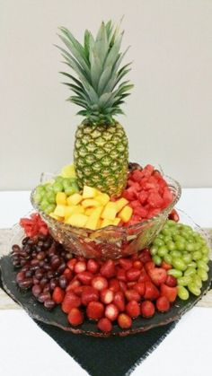Best fruit appetizers for party showers platter ideas 35 Ideas - Fruit - Fruit Recipes Appetizers Table, Fruit Appetizers, Appetizers For Party, Appetizer Recipes, Appetizer Ideas, Appetizer Table Display, Healthy Appetizers, Healthy Brunch, Wedding Appetizer Table