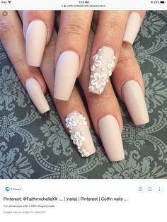 Opting for bright colours or intricate nail art isn't a must anymore. This year, nude nail designs are becoming a trend. Here are some nude nail designs. Fancy Nails, Cute Nails, Pretty Nails, Summer Acrylic Nails, Cute Acrylic Nails, Aycrlic Nails, Hair And Nails, Nagel Blog, Dream Nails