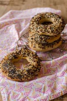 Bagel with Everything Bagel Spice by Coconut & Vanilla Everything Bagel, Bagels, Bread Recipes, Vanilla, Spices, Coconut, Food, Breads, Essen