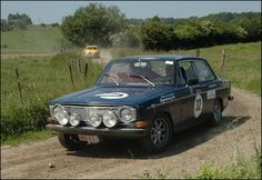 A Volvo 142 competing in the 2006 Belgian Historic Rally.
