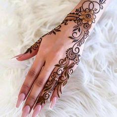 Simple Mehndi Designs 2021 Pretty Henna Designs, Modern Henna Designs, Floral Henna Designs, Arabic Henna Designs, Latest Bridal Mehndi Designs, Beautiful Mehndi Design, Simple Mehndi Designs, Mehandi Designs, Mehndi Designs For Hands