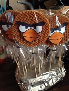 Food and drink children's birthday School Birthday Treats, School Treats, Boy Birthday, Party Treats, Party Snacks, Bolo Angry Birds, Little Presents, Bird Party, Food Humor