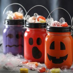 Kilner jars now come in 2 styles, the cliptop and the preserve jar - Both are perfect for jam making and preserving. Kilner offers a range of jam jar equipment and accessories. Kilner Jars, Mason Jars, How To Make Jam, Jam Jar, Sewing Kit, Mason Jar Crafts, Seasonal Decor, Decoupage, Vase