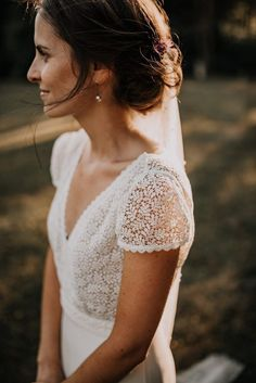 Classy wedding - Dreamy Parisian Countryside Wedding at Château de Meridon – Classy wedding Wedding Beauty, Dream Wedding, Wedding Day, Camo Wedding, Wedding Anniversary, Perfect Wedding, Boho Wedding Dress, Wedding Gowns, Parisian Wedding Dress