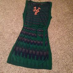 BCBG beautiful green belted dress Beautiful BCBG belted dress. Colors include Kelly green, navy blue, and a slight of gray but they all flow very pretty and compliment each other. Size S and perfect condition. Smoke free home BCBGMaxAzria Dresses Midi