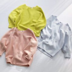 UNIQLO ユニクロ: Chic balloon sleeves in the prettiest hues. Nihon, Uniqlo, Onesies, Chic, Sweatshirts, Balloon Sleeves, Pretty, Sweaters, Kids