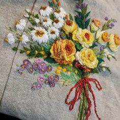 @buni_1226 • Instagram 사진 및 동영상 Embroidered Roses, Hana