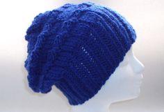 Geschenkidee - Lässige Mütze in tollem Royalblau - Königsblau ist trendy in diesem Jahr - und warme Ohren sind sowieso immer in Mode!