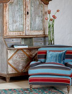 Aranjasa by William Yeoward Old Chairs, Expensive Houses, Cozy Corner, Blue Rooms, Home Decor Fabric, Fabric Wallpaper, Soft Furnishings, Home Collections, Decor Interior Design