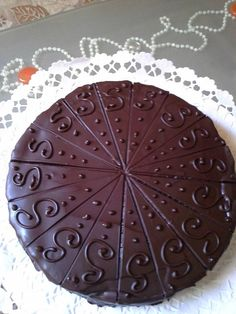 Sacher torta British Baking, Great British, Cakes And More, Amazing Cakes, Christmas Tree, Holiday Decor, Desserts, Home Decor, Birthday Cakes