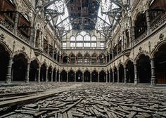 Abandoned... This is exactly how I imagined Jadis' palace in Narnia's The Magician's Nephew!