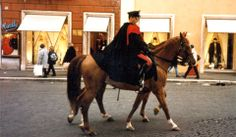 Two mounted Carabinieri *sigh* right out of a romance book! The Italian police have such stunning uniforms.