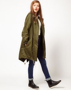 Fred Perry Green Parka for the ladies Green Parka, Khaki Parka, Parka Coat, Green Jacket, Fishtail Parka, Mod Girl, Lace Up Espadrilles, Textiles, Mod Fashion