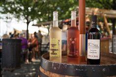 Přemýšlíte, co si naplánovat na července? I u nás je v plánu řada zajímavých akcí, které se pojí s nejen naší milovanou gastronomií! Brunch, Drinks, Bottle, Rose, Fine Dining, Drinking, Beverages, Pink, Flask