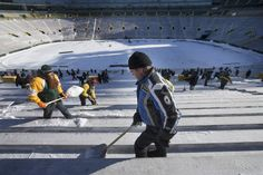 From JSO  Photo Gallery:  Shoveling out Lambeau