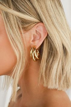 Make a statement with the Lulus Three's A Crowd Gold Triple Hoop Earrings! These chunky hoop earrings feature a shiny gold finish and three joined hoops. #gold #jewelry #hoops Ear Jewelry, Cute Jewelry, Gold Jewelry, Jewellery, Gold Bracelets, Trendy Jewelry, Jewelry Gifts, Gold Hoop Earrings, Gold Hoops