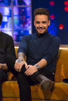 The boys on The Jonathan Ross Show (: Liam James, Liam Payne, Niall Horan, Zayn, The Jonathan Ross Show, One Direction Singers, Family Show, One Direction Pictures, Louis Tomlinson