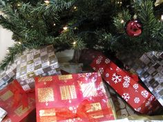 Christmas is a time of joy and sharing with loved ones. Here are some tips for personalizing your gift as a way to make them feel extra special.