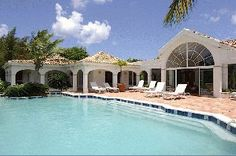 Luxury Villa Vacation Rentals with private pool - St Martin - Terres Basses - FWI     Capturing spectacular seaside views, an elegant island compound presiding over 5+- idillic acres, overlooking serene Simpson Bay Lagoon.     http://www.vacation-key.com/location_6863.html