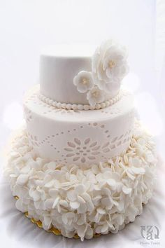 You have to see wedding cake on Craftsy!