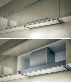 Exaustor escondido no armário embutido.