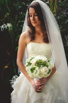 Alli's beautiful wedding dress by Vera Wang. MY DREAM DRESS!