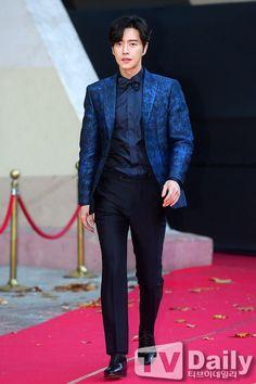park hae jin 박해진 at asia artist awards Hot Korean Guys, Korean Men, Korean Drama Movies, Korean Actors, Korean Dramas, Kang Sora, Park Hye Jin, Asia Artist Awards, Netflix