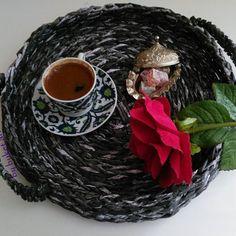 #iyiakşamlar herkese 💐🕌⏲️ #iftarsonrası #türkkahvesi ☕ikram edeyim yeni #dekoratif tepsimle 😊 aklımda milyon tane fikir var, daha neler çıkacak bakalım.. #farklı #renk ve #konsept düşünürseniz mesaj ile bildiriniz.   #buketistan #sunum #paperbasket #unique #crochet #tasarım #desing #handmade #elyapımı #homeaccessories #evaksesuarları #hediyelik #hediye #çeyiz #craftsposure #craft #kağıt #sepet #siyah #kahve #sunumonerileri #10marifet #işbirliği