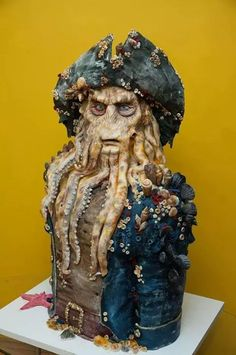 Davy Jones Pirate of the Carebbean - Cake by GRGA. Maybe not pretty, but OMW! Pretty Cakes, Cute Cakes, Beautiful Cakes, Amazing Cakes, Amazing Birthday Cakes, Crazy Cakes, Disney Themed Cakes, Disney Cakes, Davy Jones