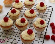 Elderflower and raspberry cupcakes recipe