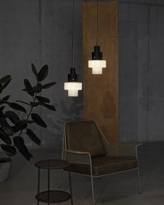Curious? Access luxxu.net to find the best lighting inspirations for your new dining room project! Luxury and still modern lighting and furniture