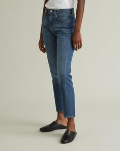 Mid-rise light wash denim, inspired by your favorite vintage jeans. Featuring a straight slim leg with accent seams, slightly cropped ankle for a ultra-flattering fit. Personal Shopping, Vintage Jeans, Slim Legs, Designing Women, Mom Jeans, The Originals, Denim, Apothecary, Pants
