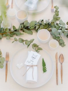 Minimalist wedding ideas for the alternative bride ❤️ Photography Favors and details Wedding Set Up, Next Wedding, Wedding Film, Autumn Wedding, Wedding Shit, Wedding Stage, Church Wedding, Forest Wedding, Wedding Wishes