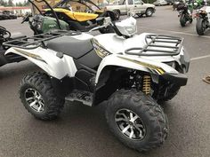 New 2017 Yamaha Grizzly EPS SE ATVs For Sale in Oregon. 2017 Yamaha Grizzly EPS SE, FREE winch and mount hardware or 2 year Yamaha warranty. NO freight or set up fees. Call 503-769-8888 2017 Yamaha Grizzly EPS SE GRIZZLED GOOD LOOKS The Grizzly EPS Special Edition boasts unmatched performance and impressive good looks. Features may include: High-Tech Engine Designed For Aggressive Trail Riding The Grizzly® EPS SE features a powerful DOHC, 708cc, 4-valve, fuel-injected engine with optimized…