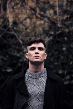 Image discovered by AlPl. Find images and videos about shooting, cillian murphy and peaky blinders on We Heart It - the app to get lost in what you love. Peaky Blinders Tommy Shelby, Peaky Blinders Thomas, Cillian Murphy Peaky Blinders, Peaky Blinders Series, Peaky Blinders Quotes, Peaky Blinders Actors, Estilo Gangster, Pretty People, Beautiful People