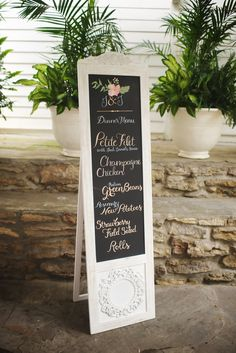 Using a vintage door is perfect for a sign! View the full wedding here: http://thedailywedding.com/2016/06/05/southern-chic-wedding-jennifer-joel/