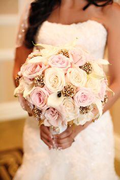 Amazing bouquet! #acharmedwedding