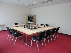 NH Berlin Potsdam - Meisenbusch    Dieser Veranstaltungsraum verfügt über Tageslicht und ist ausgestattet mit hochwertiger Tagungstechnik.  ISDN- und Wireless- Lan Zugang, Klimaanlage, verschiedene Licht- und Tondarstellungen für Präsentationen und Vorträge gewährleisten eine erfolgreiche Veranstaltung.