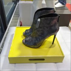 Tray vs Pedestal in Display – Fixtures Close Up Shoe Tray, Retail Merchandising, Side View, Pedestal, Trays, High Heels, Display, Yellow, Wood