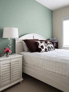 Wall colour, Jute (AF-80), accent wall, Stratton Blue (HC-142), ceiling, White Dove (OC-17), trim