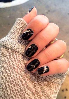 Каменные ногти — новейший маникюрный тренд / Все для женщины