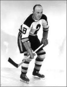 Eddie Shore was one of the hardest hitters in the history of the National Hockey… Stars Hockey, Ice Hockey Teams, Hockey Players, Hockey Stuff, Sports Teams, Hockey Highlights, Hockey Pictures, Boston Bruins Hockey, Boston Sports