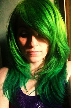 Lizard green hair...i'd be too scared to do this but i've always considered green hair