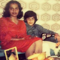 The 80s. #tbt #mum #80s #wallpaper #me #iran