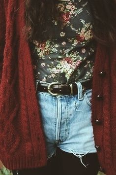 floral. sweater.