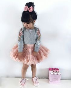 New baby girl outfits ropa Ideas Little Girl Outfits, Toddler Girl Outfits, Little Girl Fashion, Fashion Fashion, Womens Fashion, Fashion Trends, Outfits Niños, Baby Outfits, Cute Kids Fashion