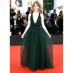 Emma Stone Chops Her Hair, Owns the Venice Film Festival Red Carpet ❤ liked on Polyvore featuring emma stone